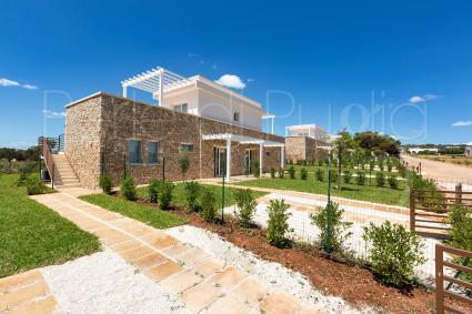 Large outdoor areas and Mediterranean essences
